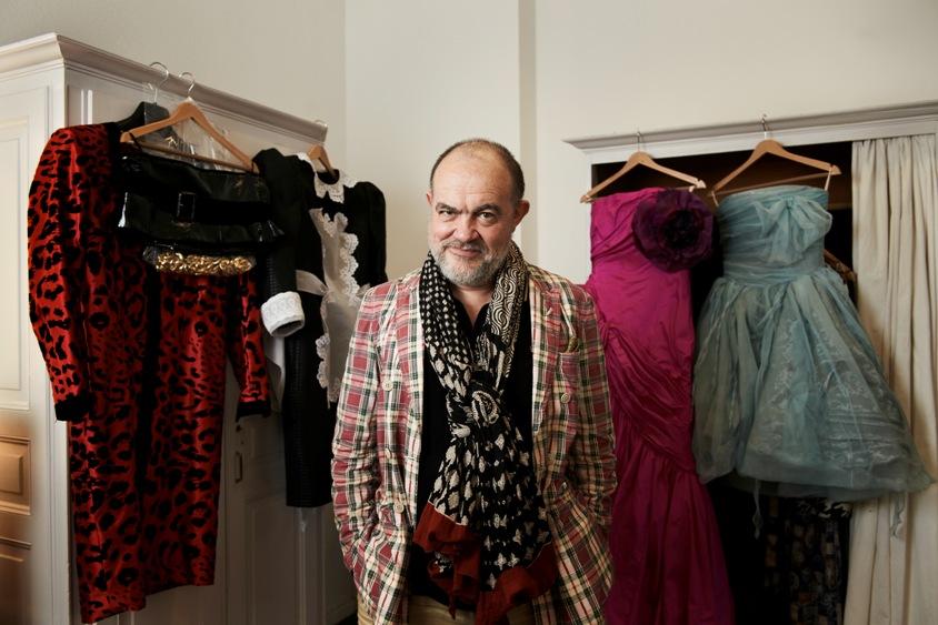 Christian Lacroix an der Staatsoper Berlin mit seinen Kostümen zu »Candide« 2011