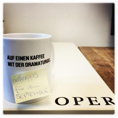 Auf einen Kaffee mit der Dramaturgie - Lesetipps für den September