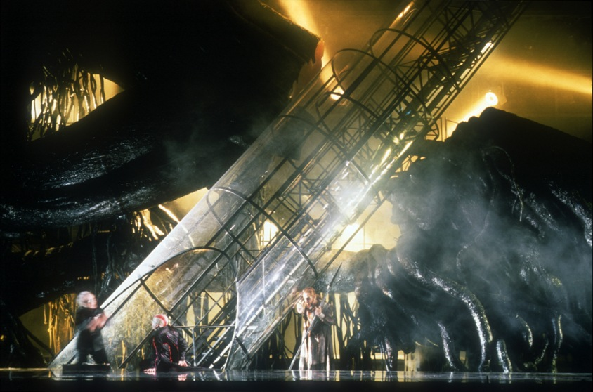 das-rheingold-harry-kupfer-1996-foto-monika-rittershausklein+