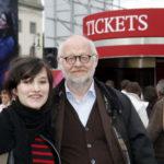 Anna Prohaska und Jürgen Flimm eröffnen die Ticketbox auf dem Bebelplatz